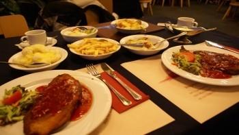 "Schnitzel im ""Wegrestaurant Malden"""