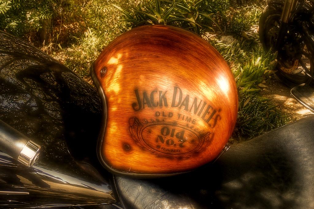 Jack Daniel's Helm von Sparkmonkeys @ reisecruiser.de