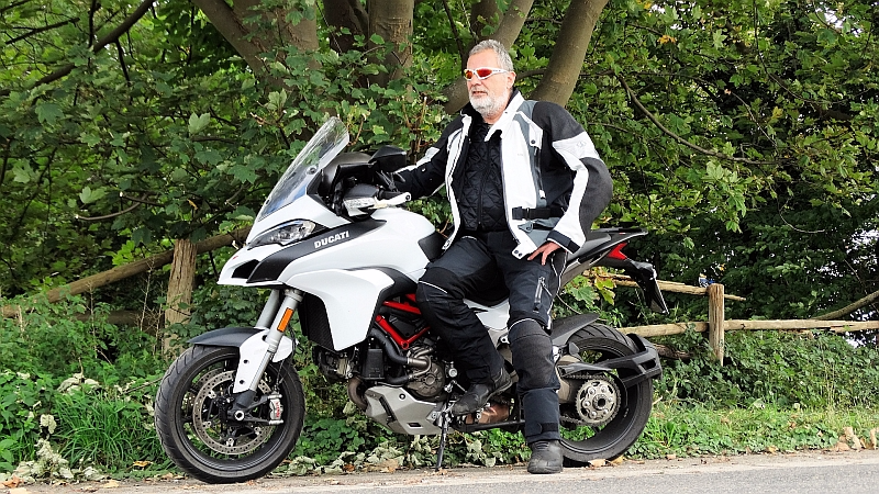 Motorradbekleidung Test / ECE Norm