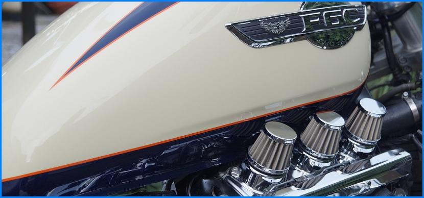 Honda F6C Valkyrie mit V-Stacks by reisecruiser.de