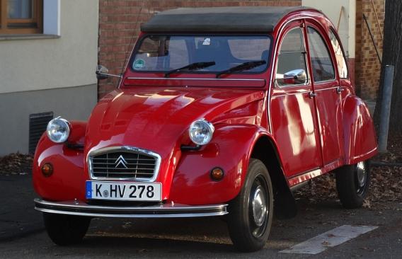Citroën 2CV 6 by reisecruiser.de